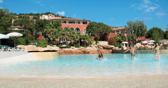 Pool at Residence Les Restanques du Golfe de St-Tropez